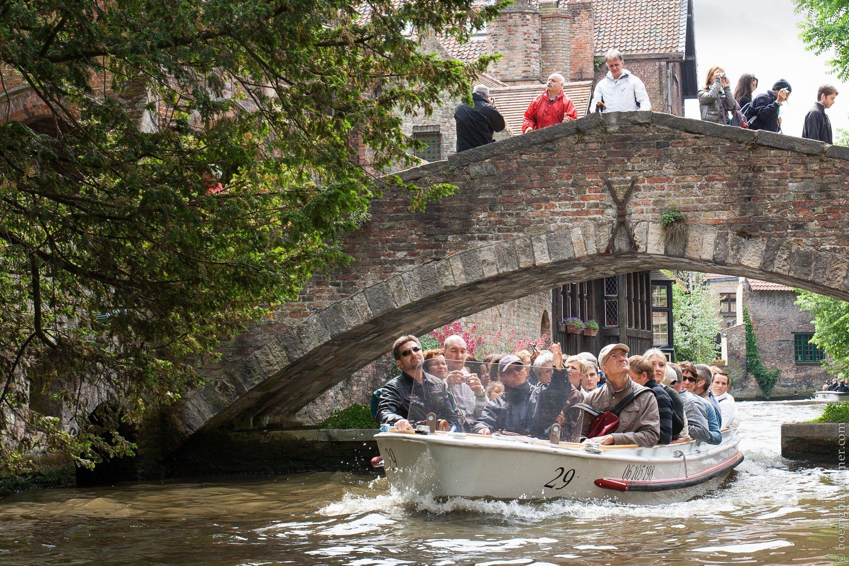 Croisière touristique à Bruges, Belgique
