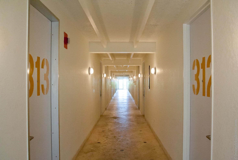 Couloirs hôtel Postcard Inn