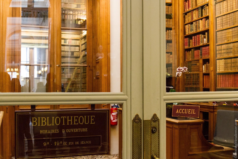 Assemblée Nationale, Superbe bibliothèeque où les photos sont interdites
