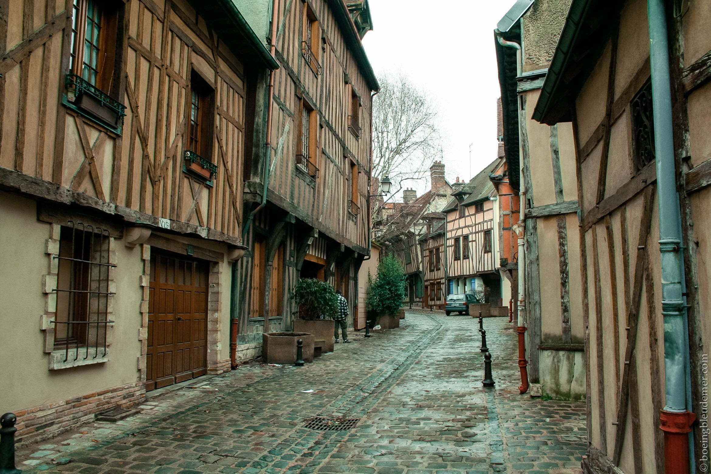 Rues désertes de Troyes