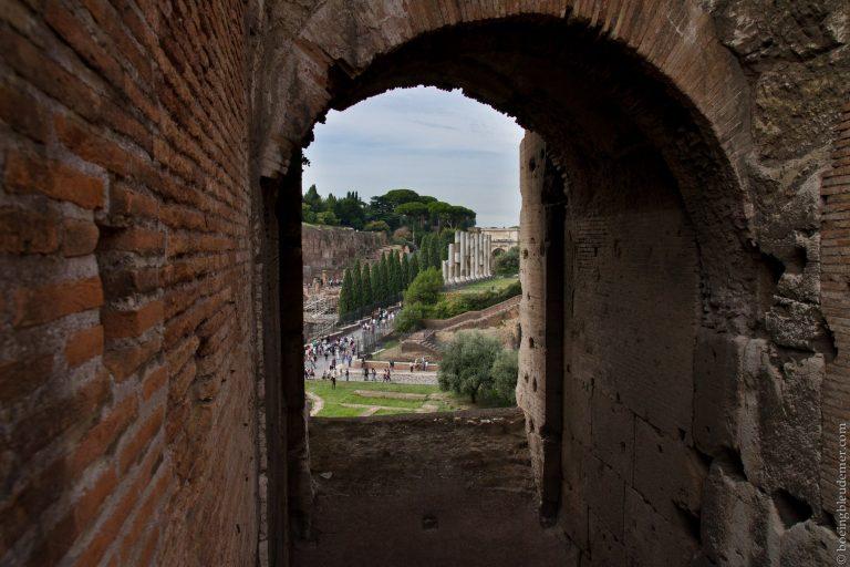 Fenêtre du Colisée sur Rome, Italie