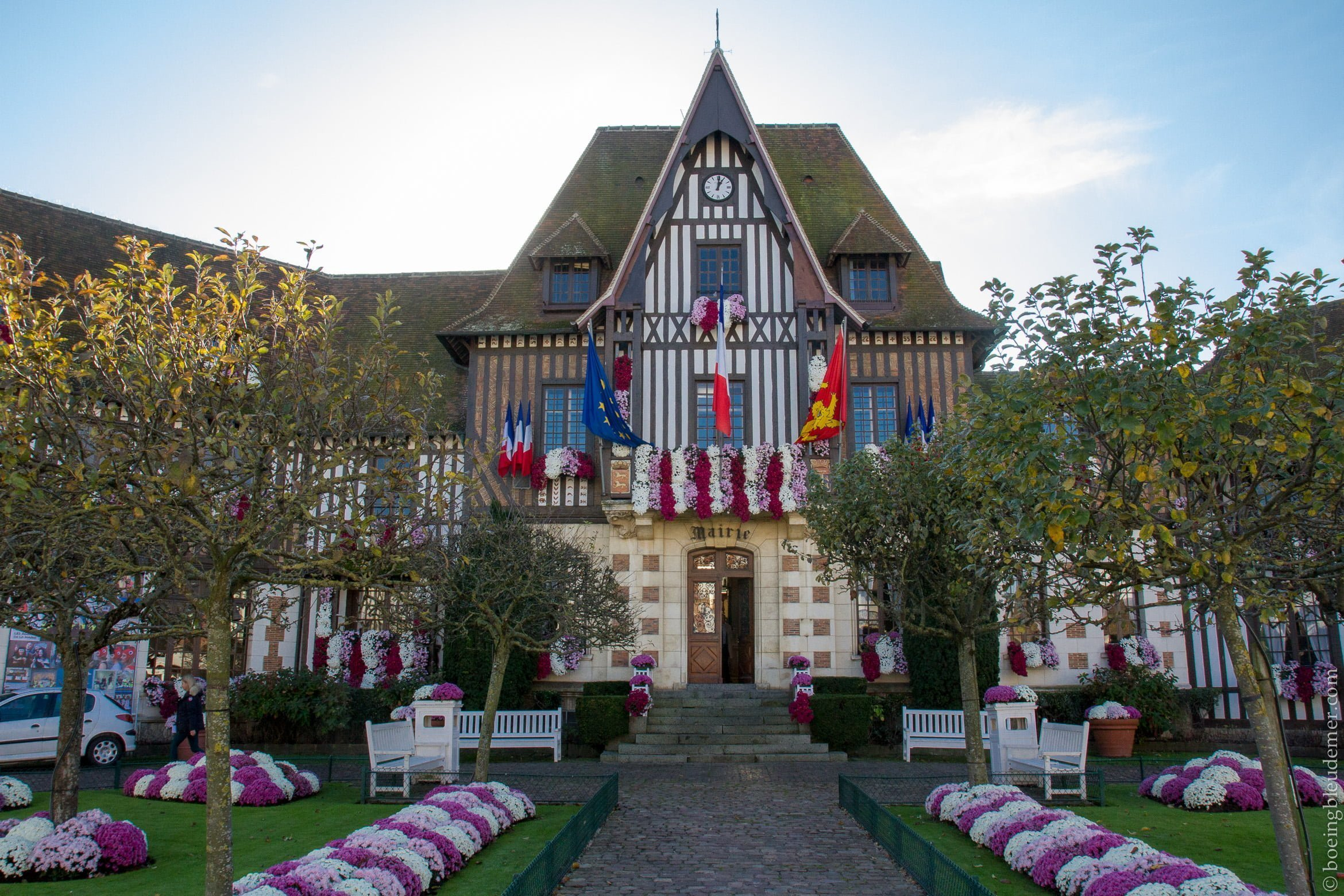 Un weekend à Deauville: mairie normande