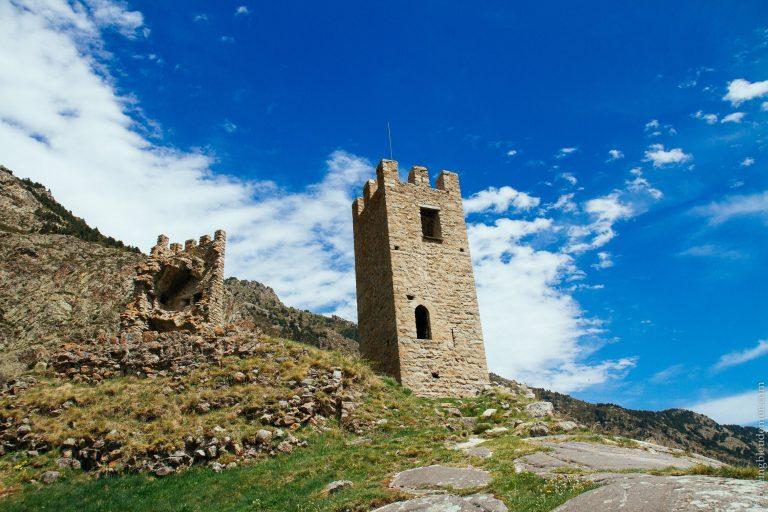 Pays Catalan: Ruines du château de Carol