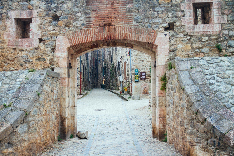 Pays Catalan : Ville fortifiée