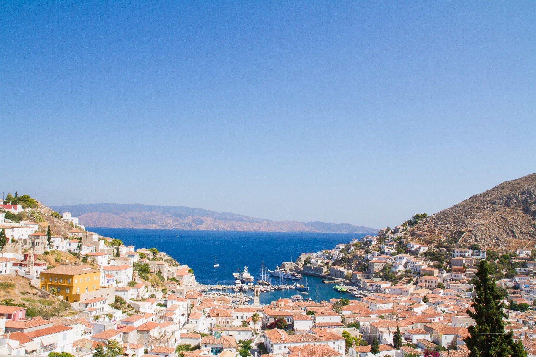 Pittoresque île d'Hydra: vue panoramique