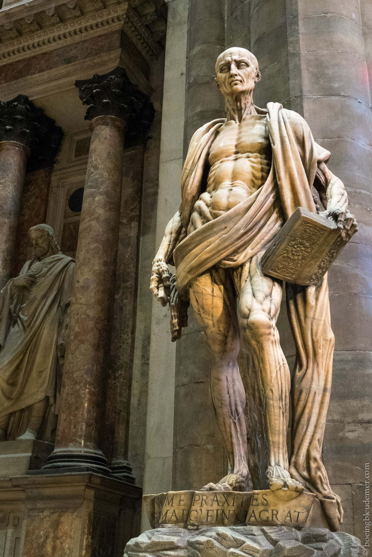 Un weekend en amoureux à Milan: Statue de Saint Barthélemy dans la cathédrale