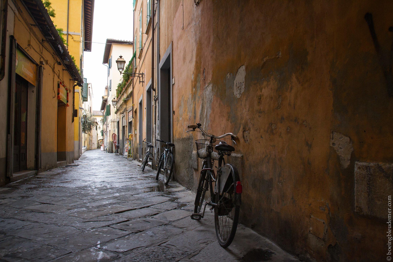 Un week-end à Pise: vélos dans une ruelle