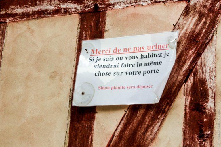 Les pisseurs publics de Paris